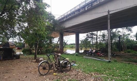 Huế: Phát hiện xác nam thanh niên trôi trên sông