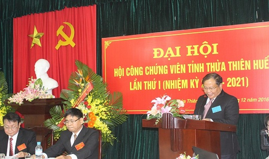 Phó chủ tịch UBND tỉnh Thừa Thiên Huế Đinh Khắc Đính phát biểu tại đại hội