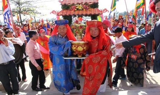 Lễ hội cầu ngư của người dân làng Thai Dương Hạ.