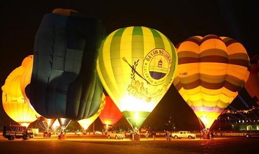 Rực rỡ lễ hội khinh khí cầu quốc tế tại Huế