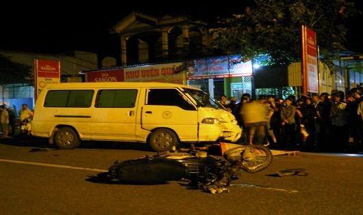 Người đàn ông bị kéo lê, tử vong dưới gầm ô tô