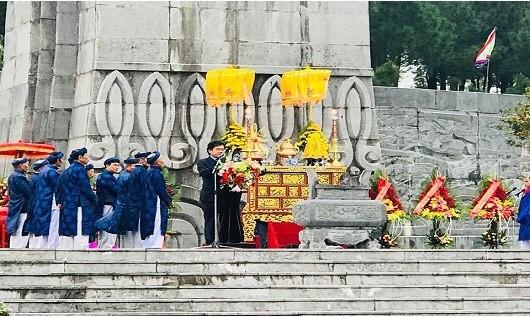 Ông Nguyễn Văn Thành, Chủ tịch UBND TP.Huế phát biểu tại buổi lễ