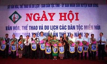 Thừa Thiên Huế vừa công nhận 145 người uy tín trong đồng bào dân tộc thiểu số