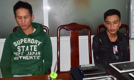 Hai đối tượng Bình và Lưu tại cơ quan công an