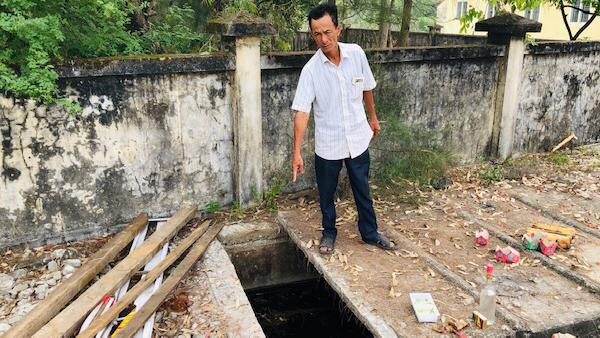 Nam sinh rơi xuống hầm vệ sinh trường tử vong, trách nhiệm thuộc về ai?