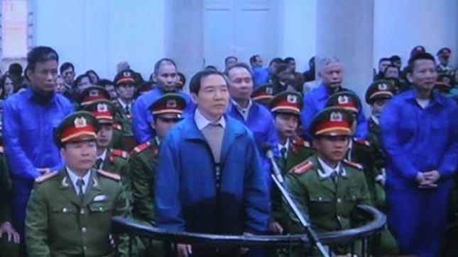Dương Chí Dũng và đồng phạm nghe tuyên án.