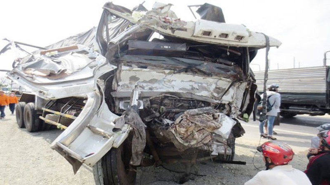 Xe khách biển Nam Định tai nạn ở Khánh Hòa, 15 người nhập viện