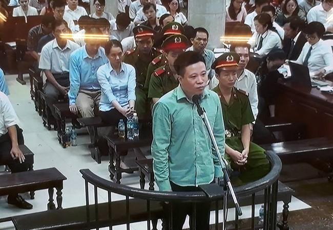 Đại án ở OceanBank: Tại sao trước đó Nguyễn Xuân Sơn không bị truy tố về tội tham ô?
