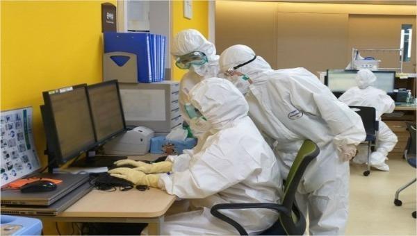 Các nhà nghiên cứu đang nỗ lực tìm ra vắc-xin ngừa và thuốc chữa Covid-19.