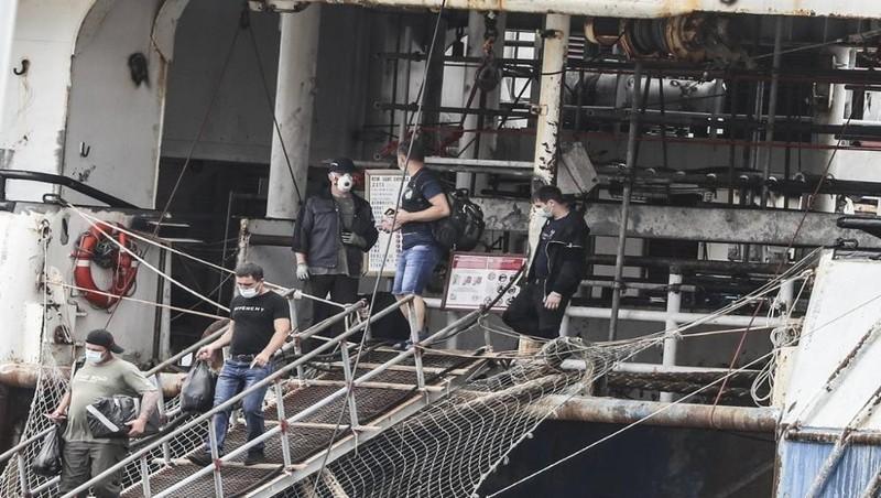 Hàn Quốc yêu cầu các thủy thủ trên tàu Nga nộp giấy xét nghiệm âm tính với Covid-19