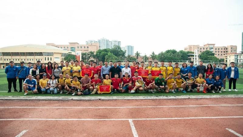 Đại học Luật Hà Nội tổ chức Giải bóng đá Giao hữu chào mừng ngày Nhà giáo Việt Nam 20/11
