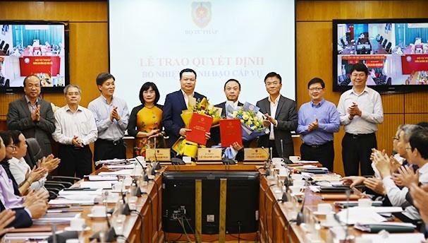 Bộ Tư pháp trao Quyết định bổ nhiệm Lãnh đạo cấp Vụ