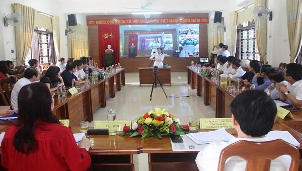 Lần đầu tiên Sở GD&ĐT tỉnh Quảng Trị đưa vào sử dụng cầu truyền hình kết nối với các đơn vị trường học.