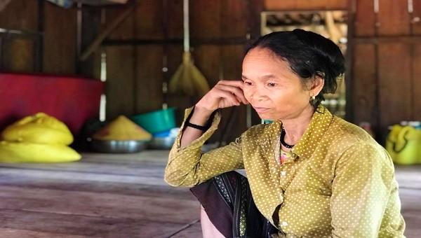 """Cả trăm hộ nghèo ở huyện miền núi Quảng Trị phải trích tiền hỗ trợ dịch Covid-19 để """"cán bộ thôn uống nước"""""""