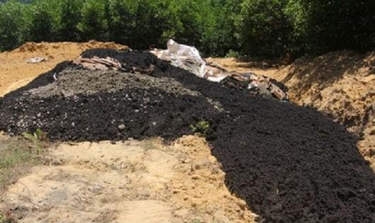 Chất thải rắn của Formosa chôn lấp ở điểm đầu nguồn nước