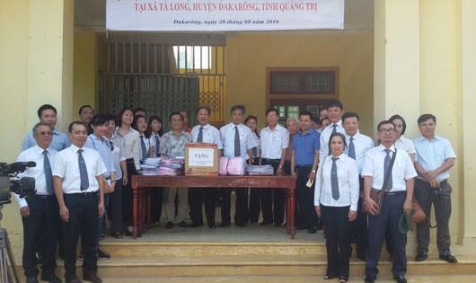 Đoàn luật sư TP.Hà Nội phối hợp với Đoàn luật sư, Sở Tư pháp tỉnh Quảng Trị truyên truyền pháp luật tại xã Tà Long