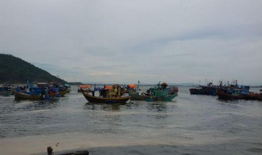 Hà Tĩnh: Hai tàu cá của ngư dân mất liên lạc trên biển
