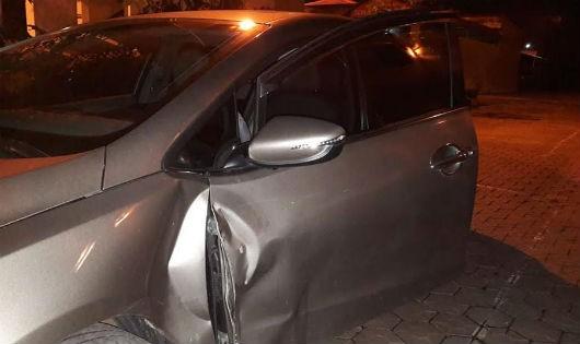 Tài xế bất tuân hiệu lệnh, lùi xe gạt CSGT ngã phải cấp cứu