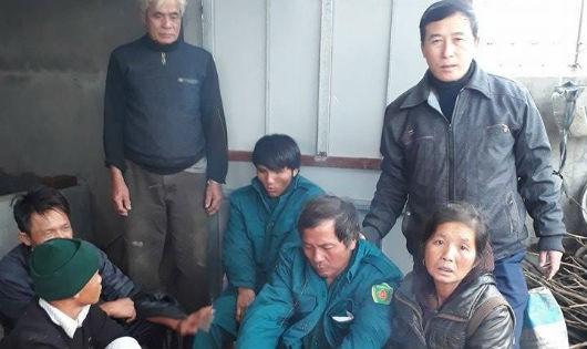 Hà Tĩnh: Kịp thời cứu sống 2 ngư dân gặp nạn trên biển