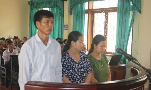 3 cán bộ xã tại phiên tòa xét xử