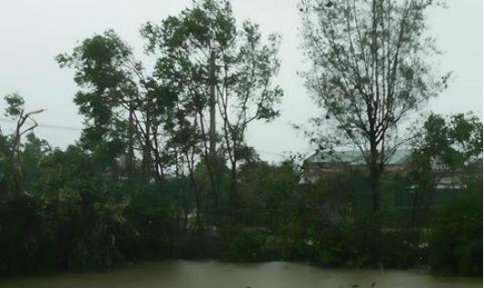 Hiện tại Hà Tĩnh vẫn đang xảy ra mưa dông kèm gió lớn