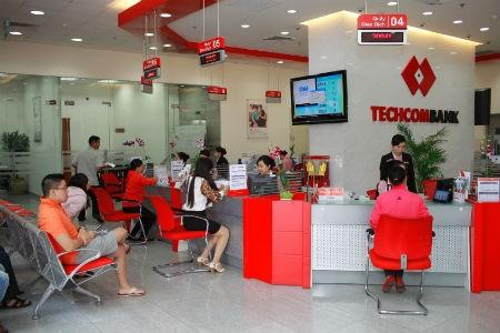 Techcombank liên tiếp nhận hai giải thưởng quốc tế