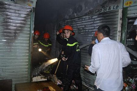 Khách hàng vay vốn Maritime Bank nhận bảo hiểm cháy nổ sạp chợ