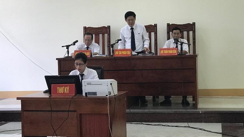 Tòa án TP Thái Nguyên cố tình gây khó khăn cho nguyên đơn trong vụ án tranh chấp quyền sử dụng đất?