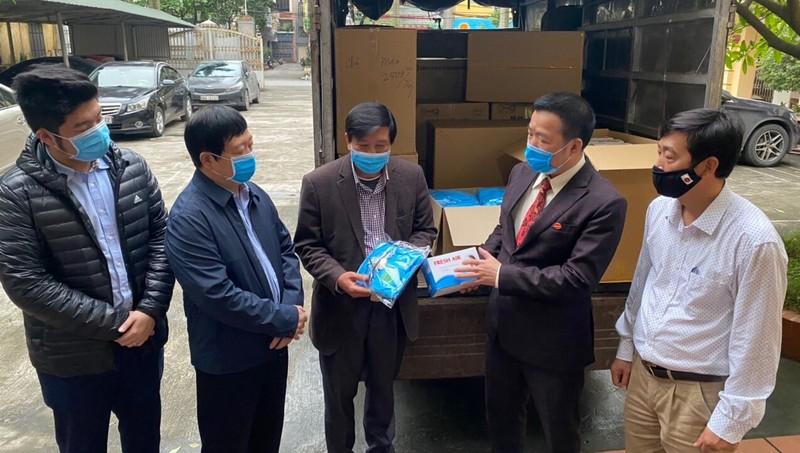 Tập đoàn Hanaka phối hợp Hội doanh nhân trẻ Bắc Ninh ủng hộ thiết bị phòng, chống dịch Covid – 19