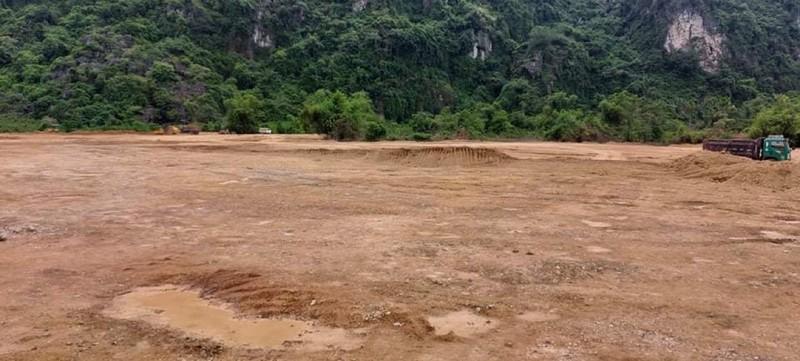 Đất trồng rừng sản xuất đã bị doanh nghiệp san phẳng trái phép tại xóm Khai Đồi, xã Sào Báy