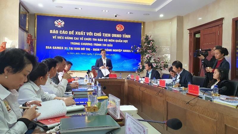 Ông Vương Quốc Tuấn - Phó Chủ tịch UBND tỉnh Bắc Ninh - chủ trì buổi làm việc.