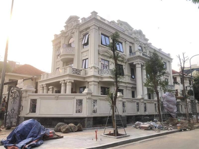 Công trình này được cho là của một Đại tá xây dựng lâu đài phá vỡ quy hoạch chung tại khu biệt thự 5,2ha