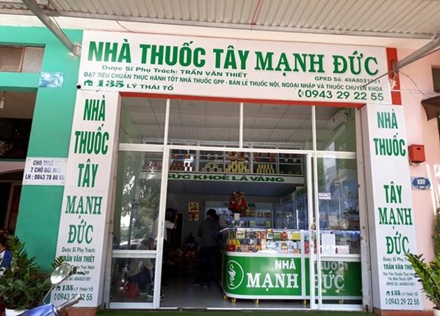 Nhà thuốc ở Đắk Lắk bị rút giấy phép vì găm khẩu trang không bán