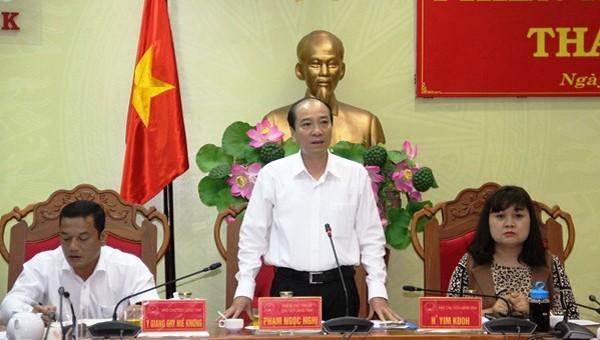 Chủ tịch UBND tỉnh Đắk Lắk phát biểu tại phiên họp