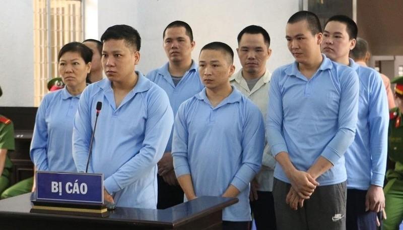 8 bị cáo tại phiên xét xử phúc thẩm.
