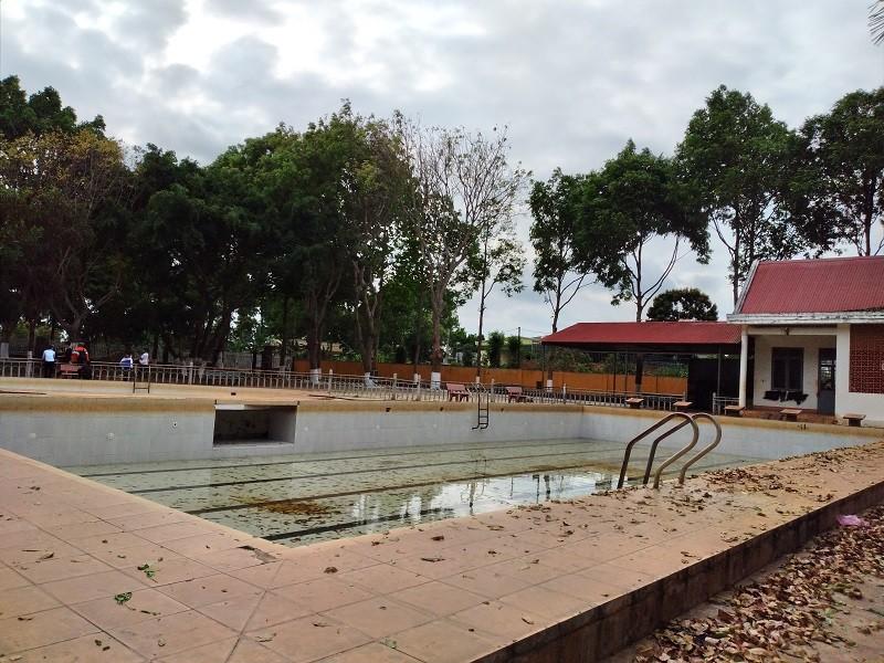 Hồ bơi trong Trung tâm văn hóa 719 - nơi cháu Lâm tử vong.