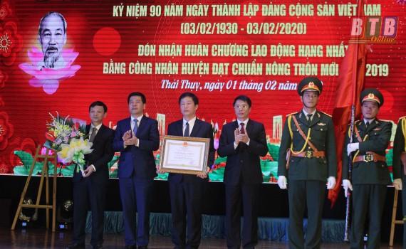 Trở thành huyện đạt chuẩn quốc gia nông thôn mới, Thái Thụy đón nhận Huân chương Lao động hạng Nhất
