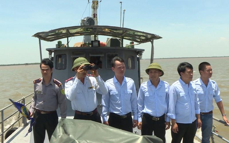 Đoàn Thanh tra thủy sản thực hiện tuần tra, kiểm soát hoạt động khai thác và bảo vệ nguồn lợi thủy sản trên vùng biển tỉnh Thái Bình.