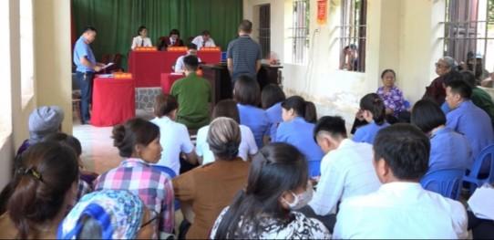 Xét xử bị cáo Nguyễn Văn Thưởng.