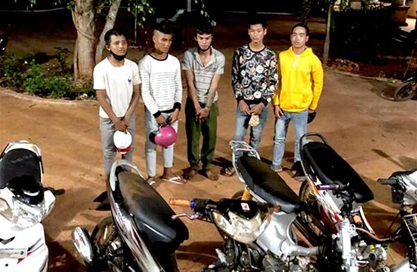Đua xe trái phép, nhóm thanh niên ở Gia Lai bị phạt lao động công ích