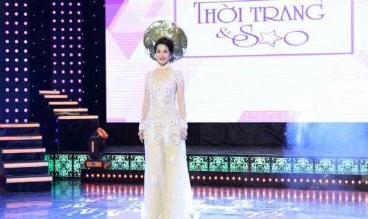 Hoa hậu Lê Thanh Thúy tự tin làm vedette trên sàn catwalk