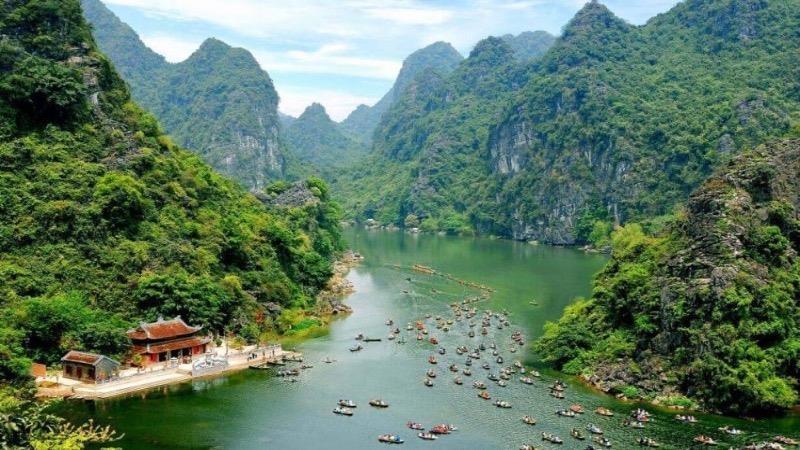 Khu du lịch sinh thái Tràng An, Ninh Bình tạm dừng bán vé tham quan