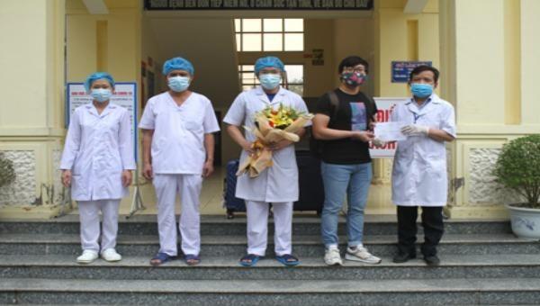 Niềm vui ở Ninh Bình: một ngày có 8 bệnh nhân nhiễm Covid-19 xuất viện