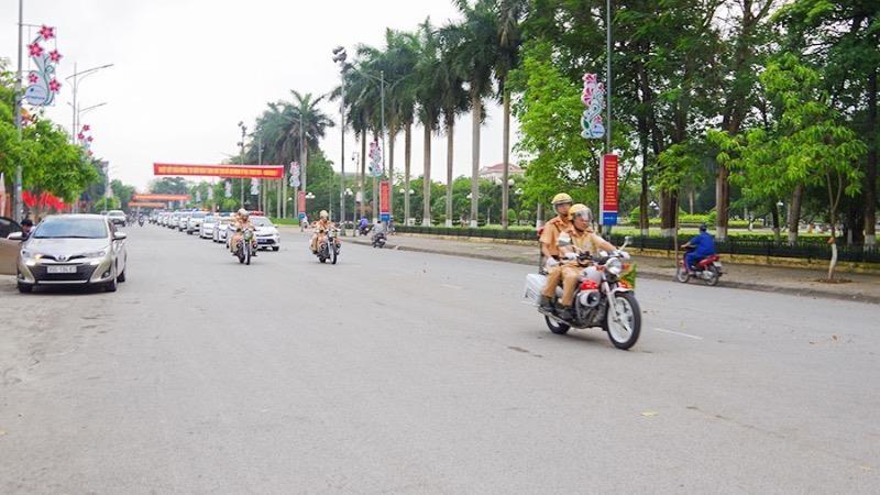 CSGT nhiều tỉnh tổ chức ra quân tổng kiểm tra phương tiện giao thông đường bộ