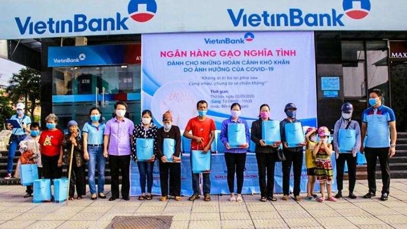 VietinBank chi nhánh Hà Nam hỗ trợ gạo cho người dân gặp hoàn cảnh khó khăn bởi dịch Covid-19