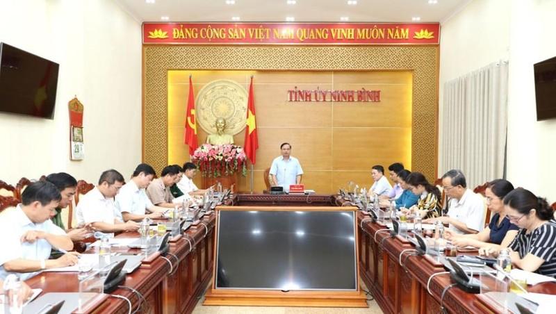 Đồng chí Trần Hồng Quảng, Phó Bí thư Thường trực Tỉnh ủy, Chủ tịch HĐND tỉnh Ninh Bình chủ trì Hội nghị giao ban công tác dân vận quý II/2020.