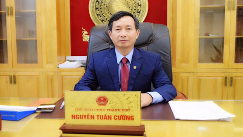 Khiển trách Chủ tịch UBND TP Hưng Yên do vi phạm Luật cán bộ, công chức
