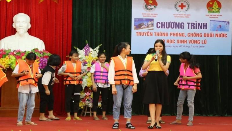Phòng, chống đuối nước cho học sinh các xã vùng xả lũ ở Ninh Bình
