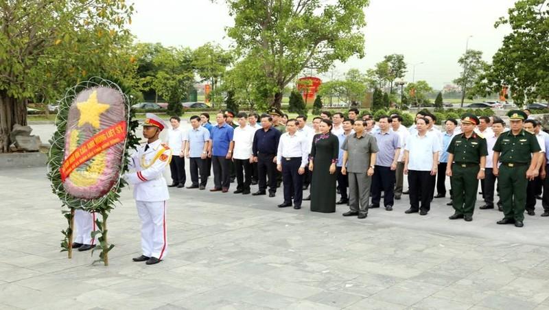 Lãnh đạo tỉnh Ninh Bình dâng hương tưởng nhớ Anh hùng liệt sỹ nhân dịp 27/7