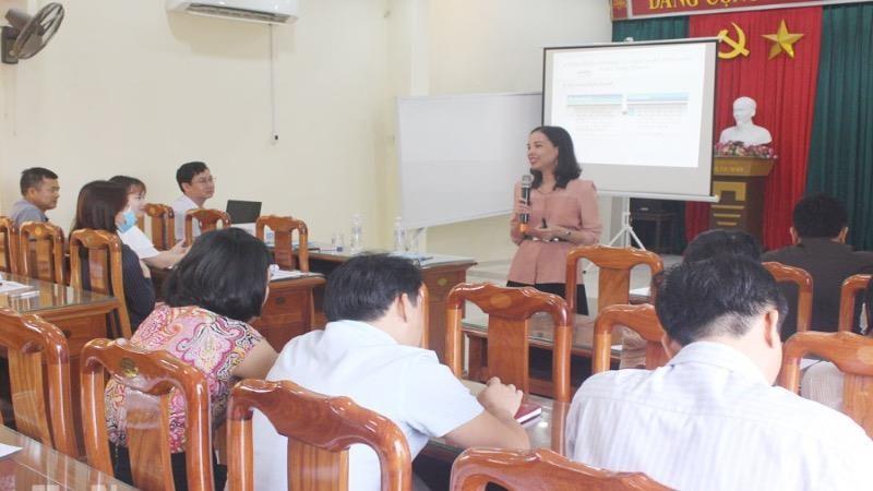 Khóa tập huấn ngắn hạn về kỹ năng kinh doanh và tổ chức mạng lưới bán lẻ.
